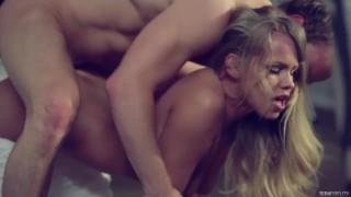 Ostry seks nagą i seksowną blondyną