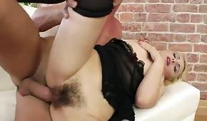Wyruchał jej włochatego bobra na maksa