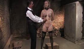 Seksowna dupeczka lubi tortury