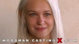 Analny seks z blond Rosjanką