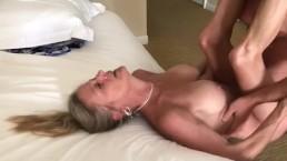 Seks z nagą blond mamusia