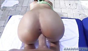 Seks na leżaku z Mia Khalifa