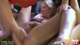 Seksowne laski dochodzą podczas seksu