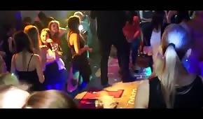 Seks w nocnym klubie