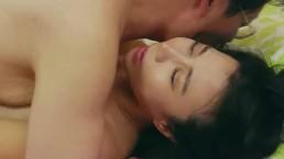 Seks na pieska ze zgrabną Azjatką