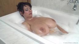 Wielkie i mokre cycuszki starej mamuśki