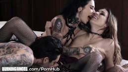 Seks z wytatuowanymi niuniami w trójkacie
