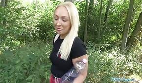 Leśny seks z blondi