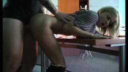 Amatorski seksik w klasie