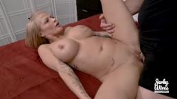 Wydepilowana pipka seksownej Joslyn James