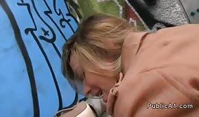 Publiczny seks z blond laseczką