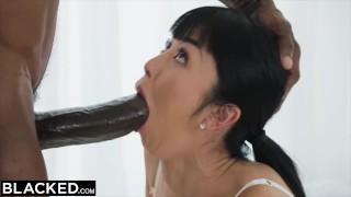 Ogromny penis w ustach porno Azjatki