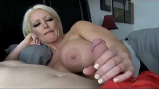 Poranny seks z dojrzałą Barbie