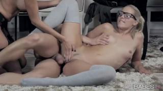 Kompilacja seksu z uroczymi nastolatkami
