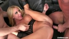 Amy Brooke i jej ulubiona podwójna analna penetracja