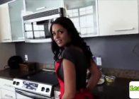 Vienna Black lubi zabawiać się w kuchni