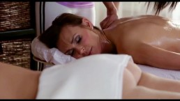 Lesby relaksują się na masażu